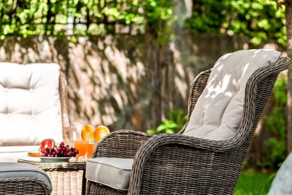 Плетеное кресло Geneva из искусственного ротанга, артикул 27601