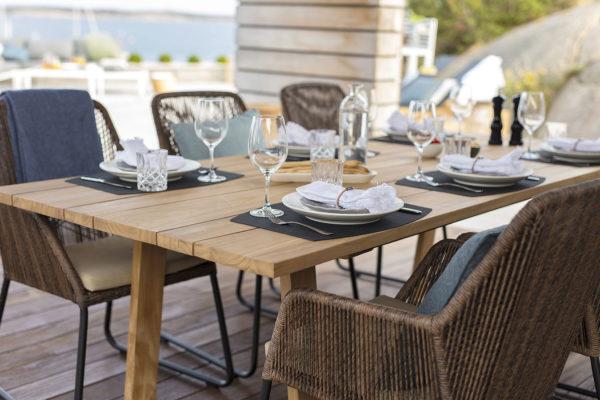 Обеденный стол Laurion из тика производства фабрики Brafab, Швеция.