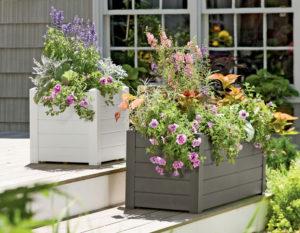 Садовые кашпо и цветочницы из ротанга