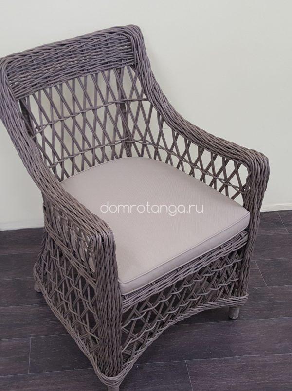 Плетеное кресло из искусственного ротанга «Beatrix» beige.